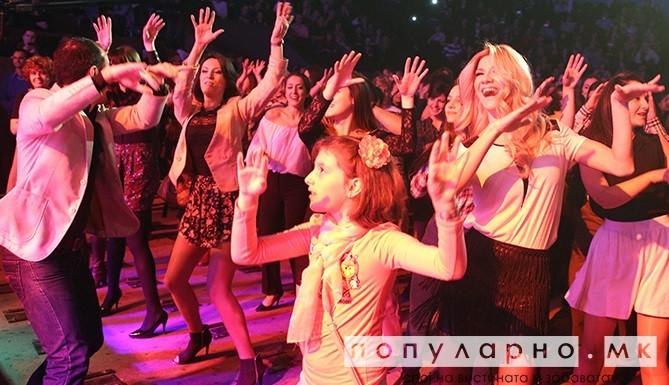 ФОТОГАЛЕРИЈА: Се играше во салса ритамот на Тумбао Салса Бенд во Универзална сала