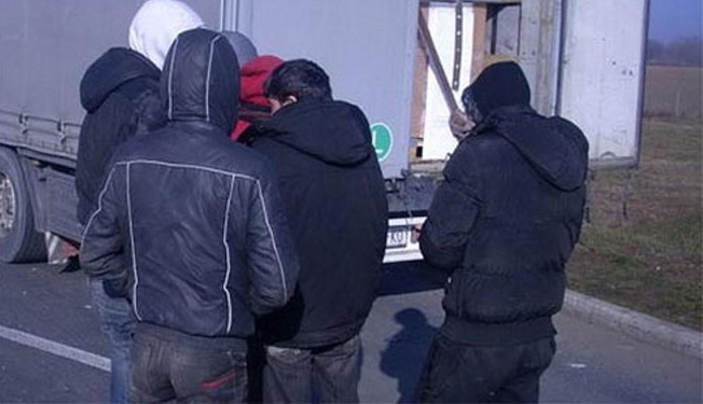 Акција за откривање лица кои криумчареле мигранти во кумановско