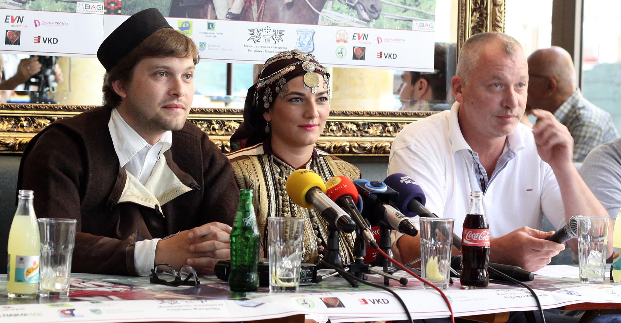 Билјана Геговска и Филип Белчев се годинашни невеста и зет на 42. Галичка свадба