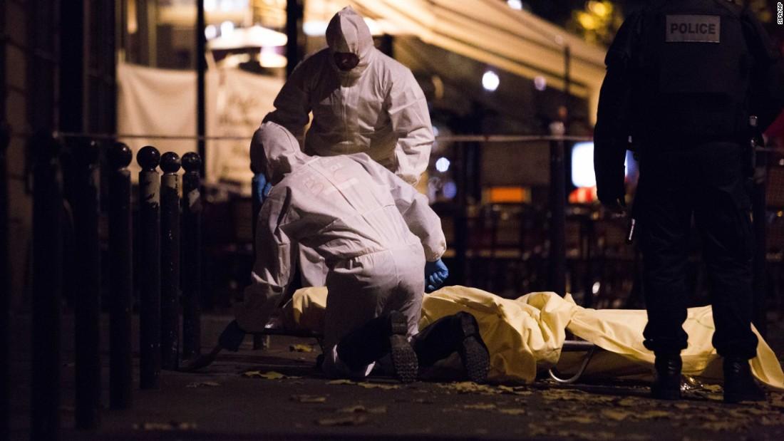 ФОТОГАЛЕРИЈА: Париз - ден по крвавиот терористички кошмар