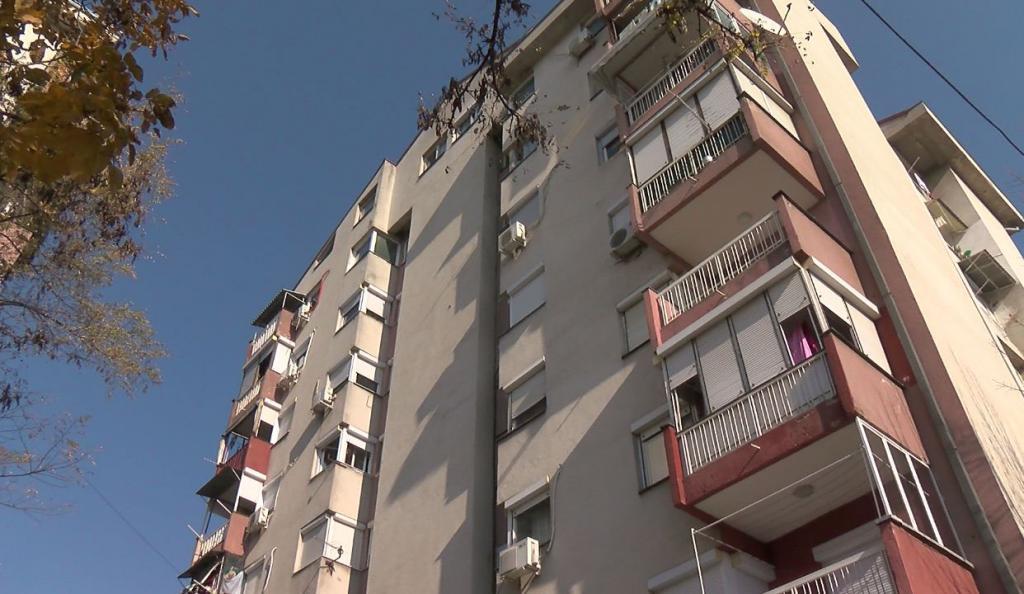 Оперирано детето што го фрли мајката од четврти кат во скопски Хиподром