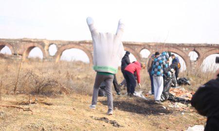 """Скопјани """"мрднаа со прст"""" и го исчистија скопскиот аквадукт"""