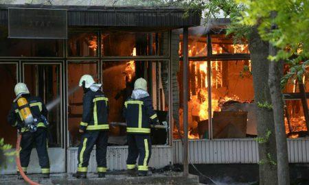 """Локализиран пожарот кај """"Здравко Цветковски"""", нема повредени"""
