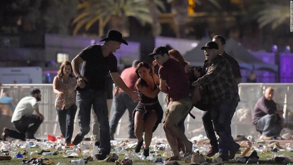 Најмалку 58 загинати и над 500 повредени во нападот во Лас Вегас
