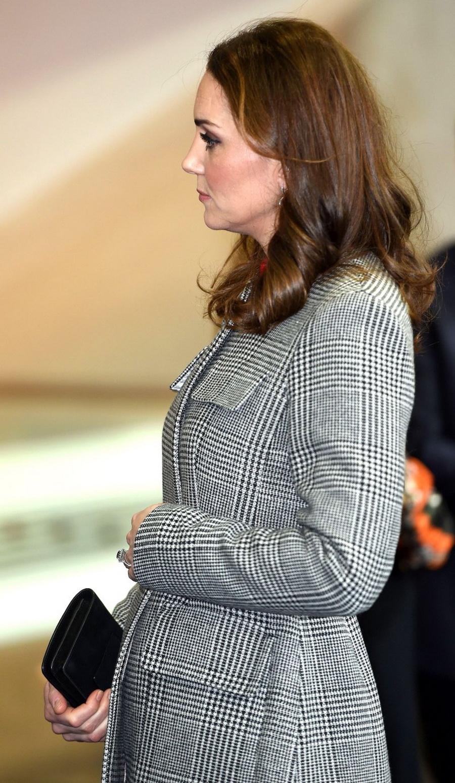 Кејт Мидлтон блеска во третиот месец од бременоста (ФОТО)