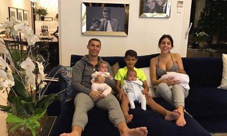 """ПРВА ЗАЕДНИЧКА ФОТОГРАФИЈА: Семејството на Кристијано Роналдо го """"урна"""" Инстаграм (ФОТО)"""