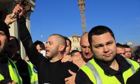 Даниел Дончевски по петти пат го фати светиот крст во Скопје