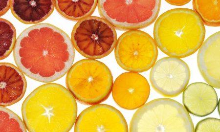 Овошните киселини ги бришат брчките