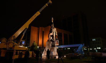 ОПШТИНА ЦЕНТАР: Споменикот на Ќосето беше дивоградба (ФОТО)