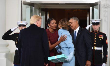 """МИШЕЛ ОБАМА ОТКРИ: """"Меланија Трамп ми подари рамка за слика"""""""