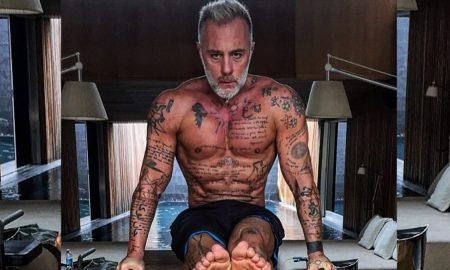 Милионер си го истетовира сопствениот лик на грбот