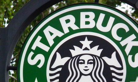 Старбакс привремено ќе затвори илјадници кафулиња за против-расистичка обука