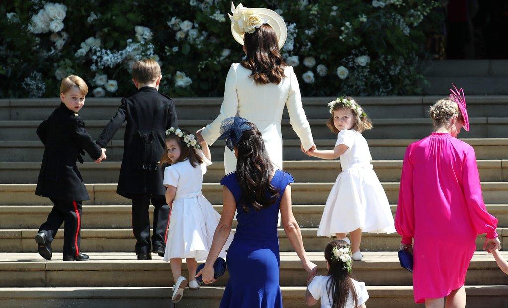 "СУДБОНОСНО КРАЛСКО ""ДА"": Британија доби војвода и војвотка од Сасекс"