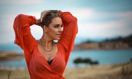 """ПО ТРИ ГОДИНИ ПАУЗА: Тамара Тодевска го промовираше новиот сингл """"Довидување таго"""" (ВИДЕО)"""