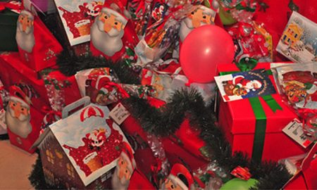 Волшебната елка ги исполни желбите на 120 дечиња без родителска грижа